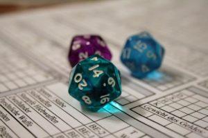 Mechanismen des Rollenspiels: Die Würfel als Maßstab von Schicksal, Glück, Können und Talent.Foto von Elwood Blues, CC-BY-SA-NC
