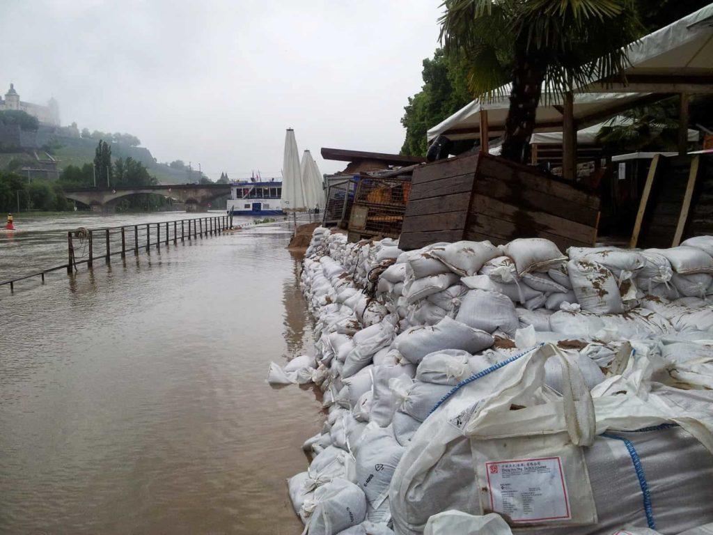 Hochwasser am Stadtstrand in Würzburg, 1. Juni 2013