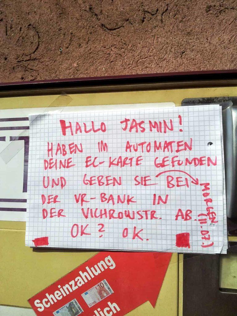 Zettel am Zigarettenautomaten