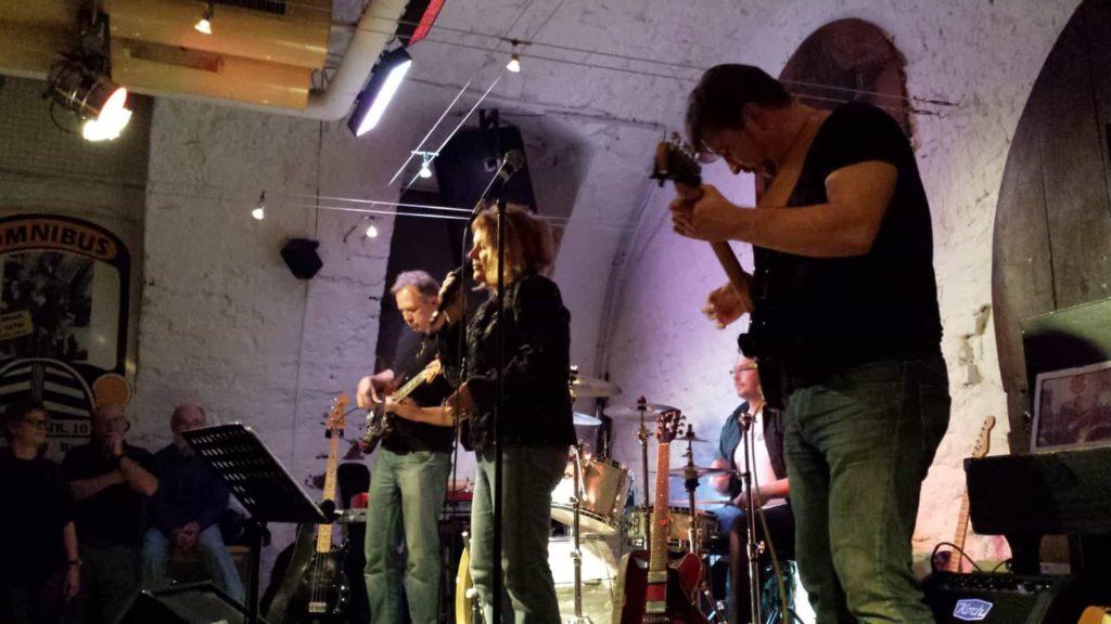 CD-Release-Party mit Jochen Volpert im Omnibus