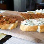 Brote mit selbstgemachten Aufstrichen