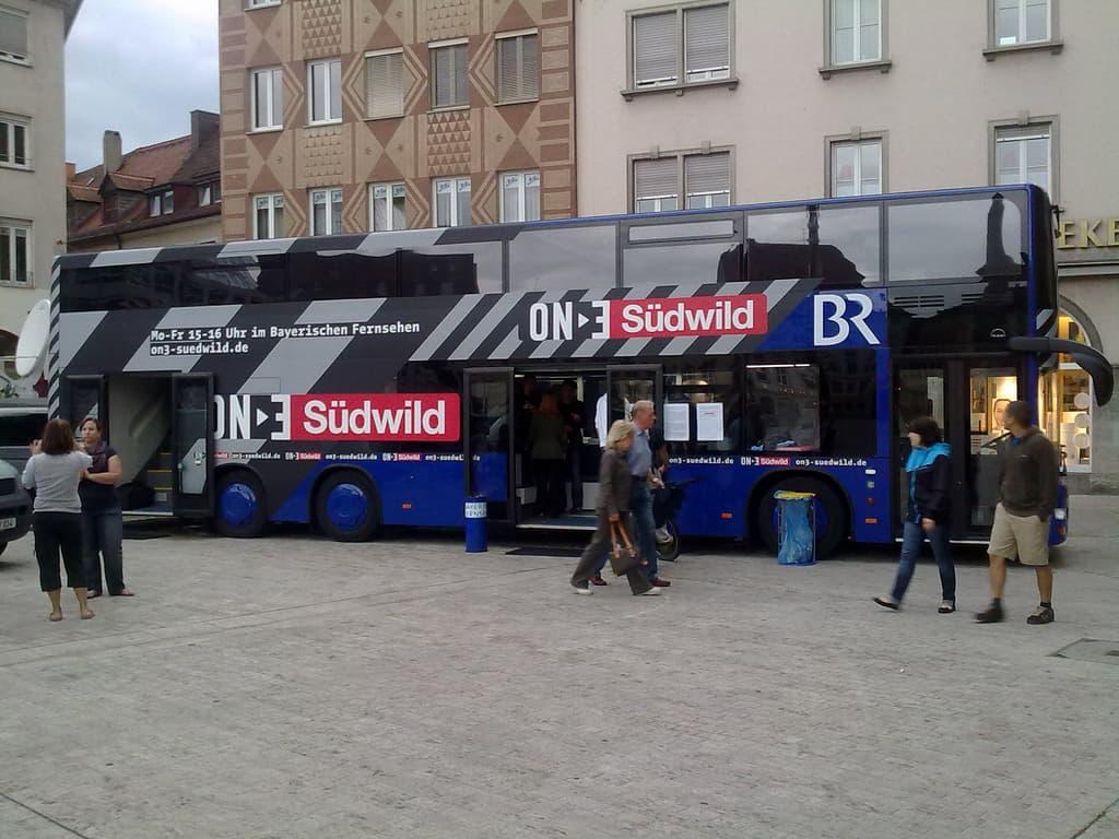 Der Südwild-Bus ist in Würzburg