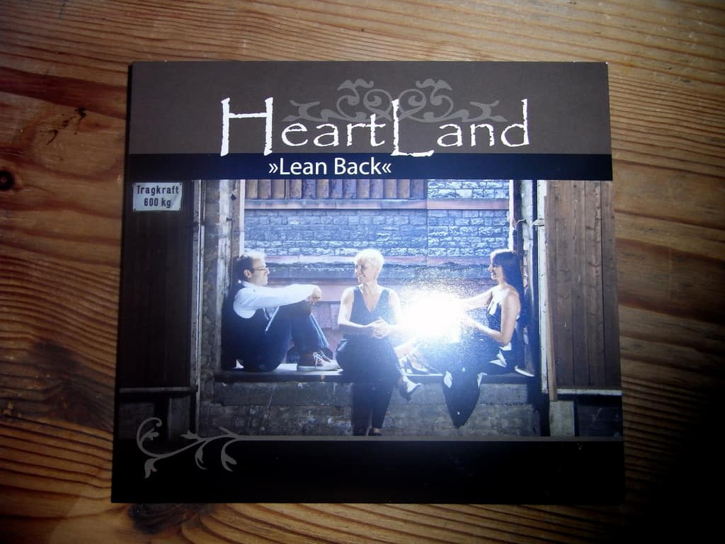 "HeartLand ""Lean Back"""