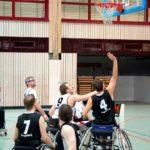 VDR Würzburg (weiß) gegen AuXburg Basketz (schwarz)